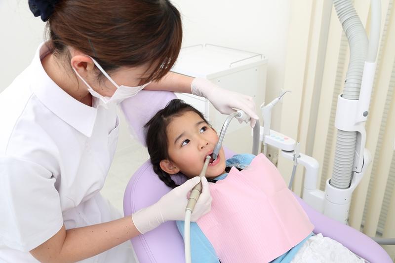 お子さんの虫歯治療から予防まで